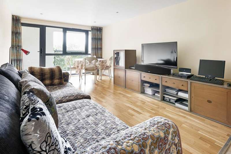 2 Bedrooms Flat for sale in Liberty House, Ensign Street, London, E1