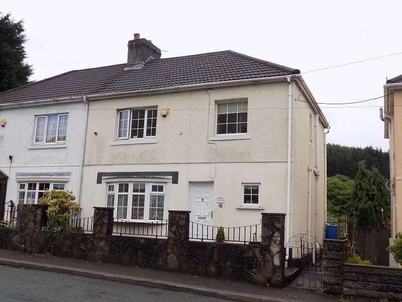 3 Bedrooms Semi Detached House for sale in Glenroy Blackmill Road, Lewistown, Bridgend. CF32 7HU
