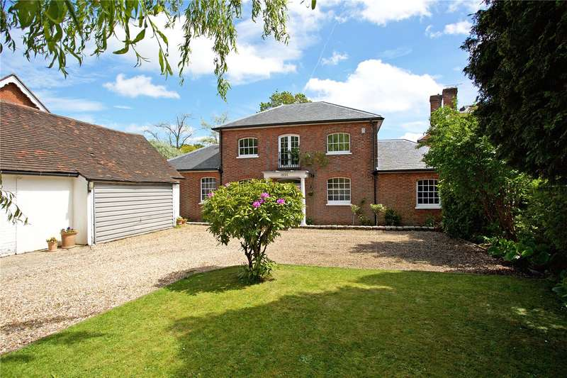4 Bedrooms House for sale in Cookhams, Top Road, Sharpthorne, West Sussex, RH19