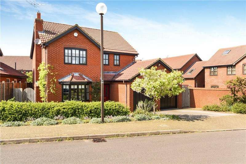 4 Bedrooms Detached House for sale in Welsummer Grove, Shenley Brook End, Milton Keynes, Buckinghamshire