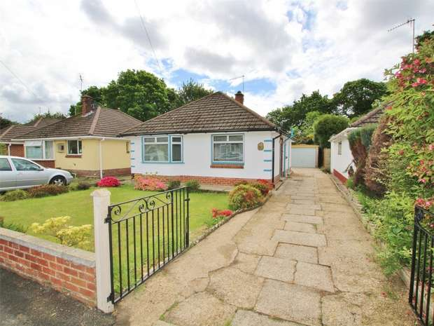 2 Bedrooms Detached Bungalow for sale in Porter Road, Creekmoor, POOLE, Dorset