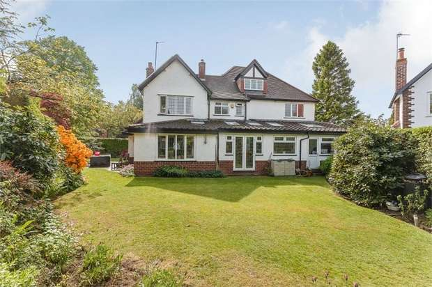 5 Bedrooms Detached House for sale in Chapel Lane, Hale Barns, Altrincham, Cheshire