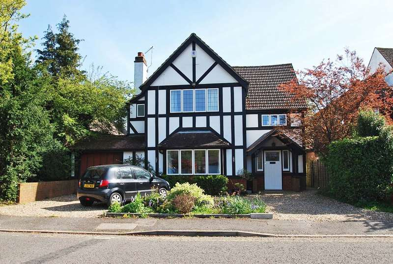 4 Bedrooms Detached House for sale in Reynolds Road, Beaconsfield, HP9