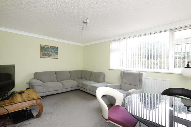 2 Bedrooms Maisonette Flat for sale in Hermitage Road, London
