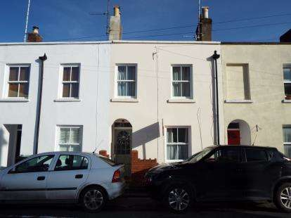 2 Bedrooms Terraced House for sale in Sandford Street, Cheltenham, Gloucestershire
