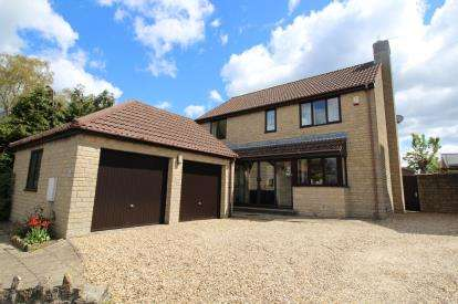 4 Bedrooms Detached House for sale in Shortwood Road, Pucklechurch, Near Bristol, Gloucestershire