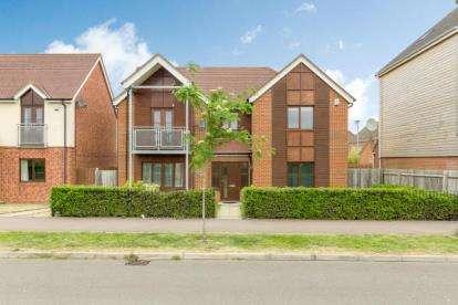 4 Bedrooms Detached House for sale in Watercress Way, Broughton, Milton Keynes