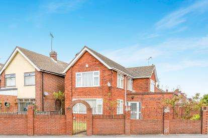 4 Bedrooms Detached House for sale in Oakley Road, Luton, Bedfordshire