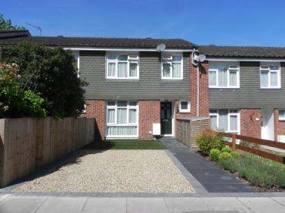 3 Bedrooms Terraced House for sale in Woodside Grange Road, London