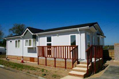 2 Bedrooms Bungalow for sale in Hillcrest, Blisworth, Northampton, Northamptonshire