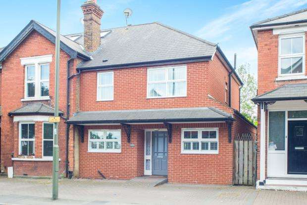 4 Bedrooms Semi Detached House for sale in East Molesey, Surrey, .