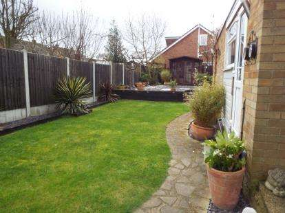 3 Bedrooms House for sale in Leigh-On-Sea, Essex
