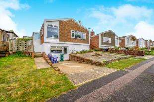 3 Bedrooms Bungalow for sale in Chiltington Way, Saltdean, Brighton, East Sussex