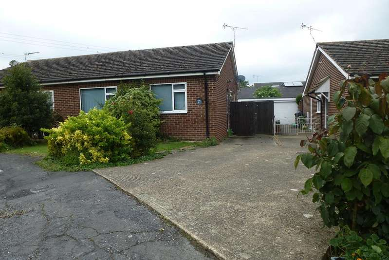 2 Bedrooms Semi Detached Bungalow for sale in Walnut Close, Paddock Wood
