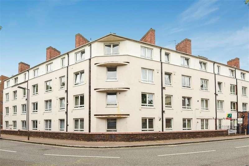 3 Bedrooms Maisonette Flat for sale in Irwell Estate, Neptune Street, London, SE16