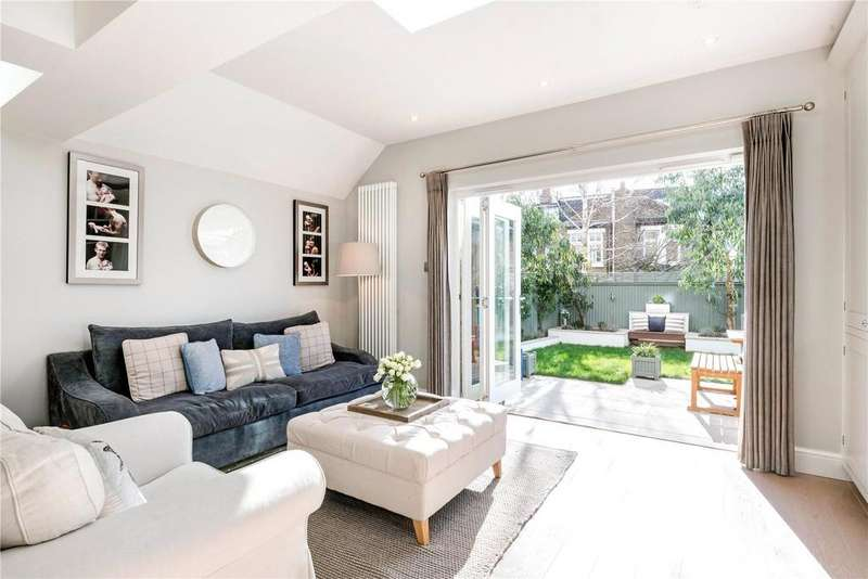 5 Bedrooms Terraced House for sale in Galesbury Road, London, SW18