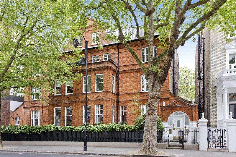 3 Bedrooms Flat for sale in Old Brompton Road, London, SW5