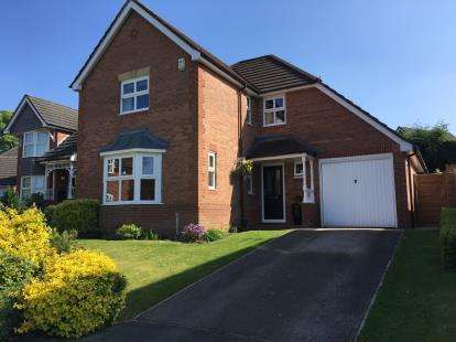 4 Bedrooms Detached House for sale in Beverley Way, Tytherington, Macclesfield, Cheshire
