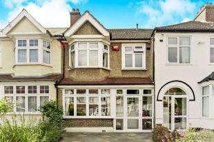3 Bedrooms Terraced House for sale in Abbots Way, Beckenham, Kent