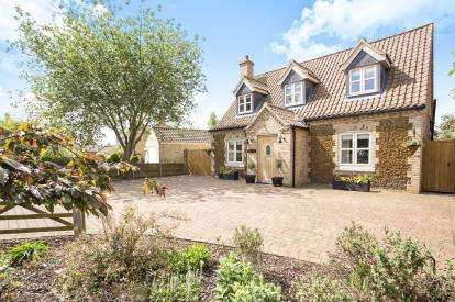 4 Bedrooms Detached House for sale in Denver, Downham Market, Norfolk