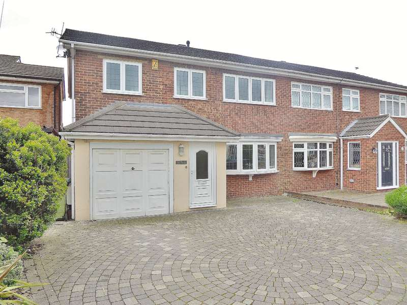4 Bedrooms Semi Detached House for sale in Nicola Terrace, 341 Long Lane, Bexleyheath, Kent, DA7 5JT
