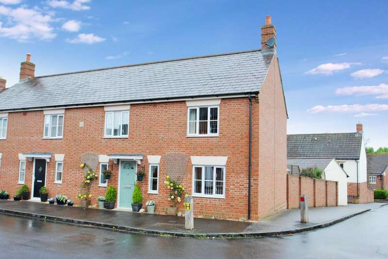 3 Bedrooms Semi Detached House for sale in Dunkleys Way, Taunton