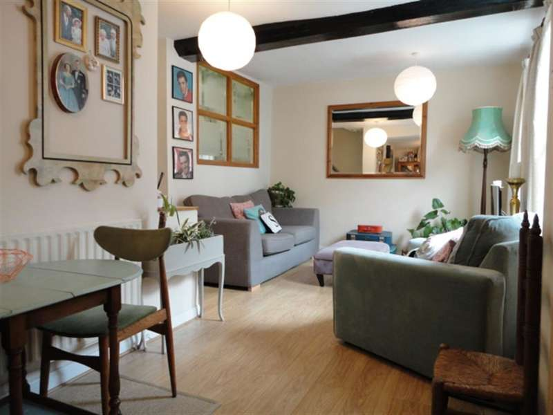 1 Bedroom Maisonette Flat for sale in High Street, Colnbrook, Slough Berkshire, SL3 0LX