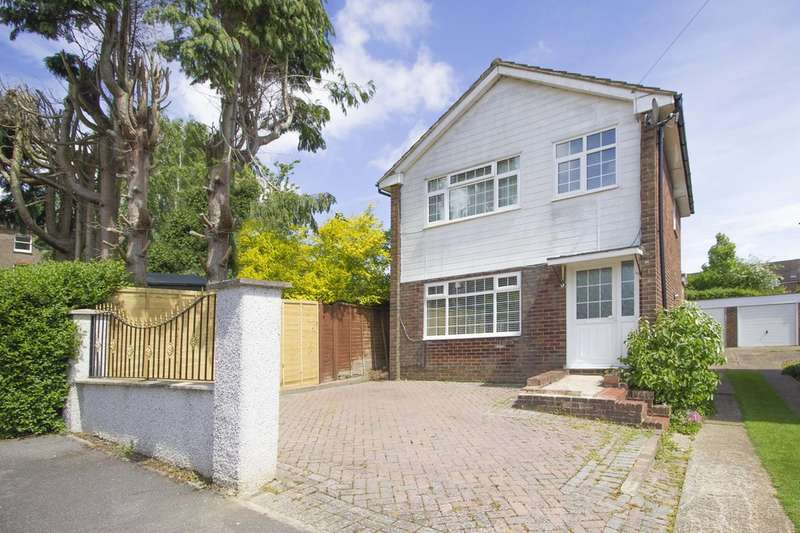 3 Bedrooms Detached House for sale in Bruce Close, Haywards Heath
