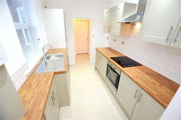 3 Bedrooms Semi Detached House for sale in George Street, Chesterton, Newcastle-under-Lyme