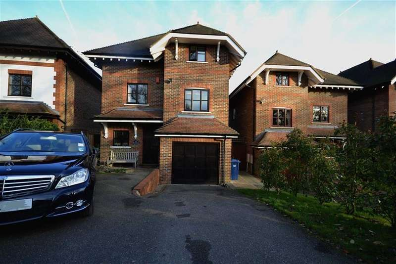 4 Bedrooms Detached House for sale in Leecroft Road, High Barnet, Hertfordshire