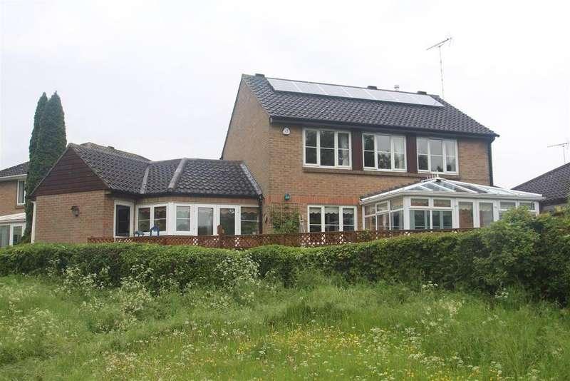 3 Bedrooms Detached House for sale in Kenchester, Bancroft, Milton Keynes