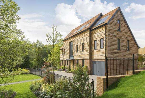 4 Bedrooms Detached House for sale in Tuesley Lane, Godalming