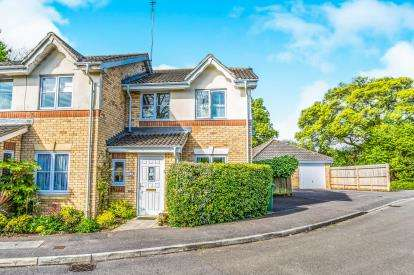 3 Bedrooms Semi Detached House for sale in Horndean, Waterlooville, Hampshire