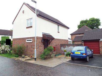 3 Bedrooms Detached House for sale in Tweedsmuir Close, Fearnhead, Warrington, Cheshire