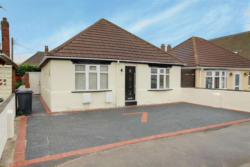 2 Bedrooms Detached Bungalow for sale in 7 Somersby Avenue, Mablethorpe