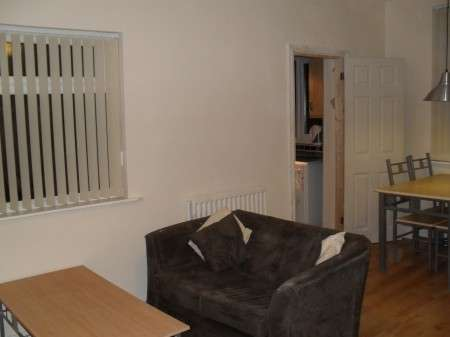 3 Bedrooms End Of Terrace House for rent in Kempton Road, Wavertree, Liverpool 15