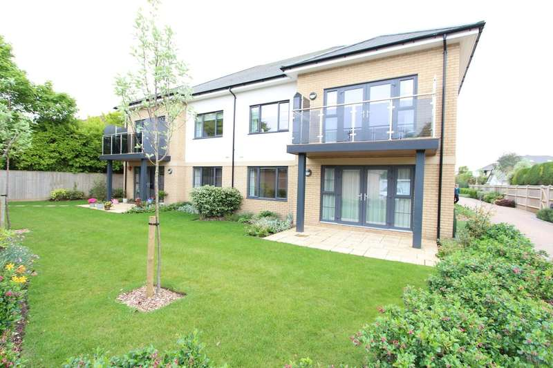 3 Bedrooms Ground Flat for sale in HIGHCLIFFE ON SEA