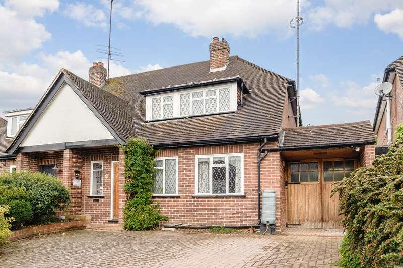 2 Bedrooms Semi Detached Bungalow for sale in Weybridge