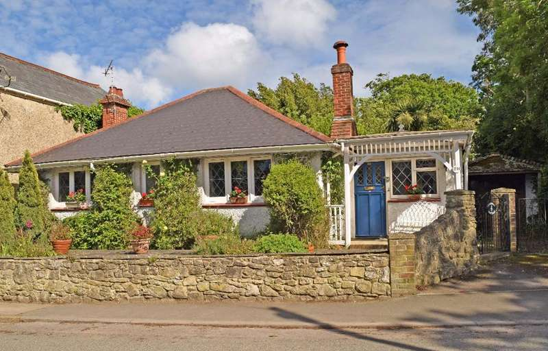 2 Bedrooms Detached Bungalow for sale in High Street, Bembridge, PO35 5SF