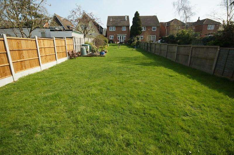 4 Bedrooms Detached House for sale in Spencer Road, Benfleet