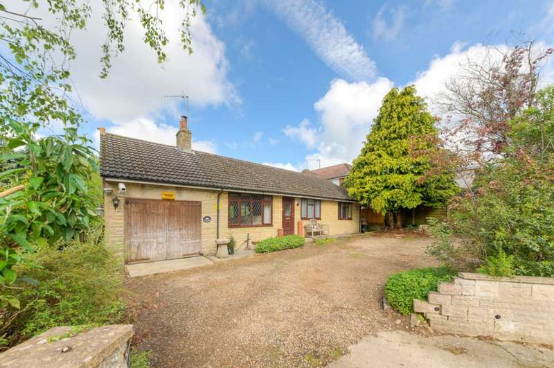 3 Bedrooms Detached Bungalow for sale in Water Stratford Road, Tingewick, Buckingham