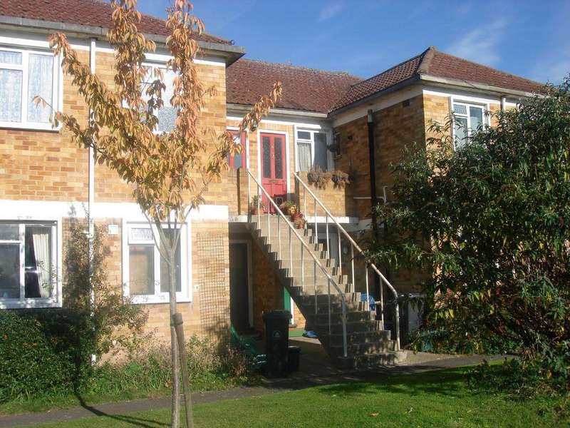 3 Bedrooms Apartment Flat for rent in Abbey Court