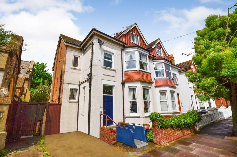 6 Bedrooms House for sale in Wickham Avenue, Bexhill-On-Sea, TN39