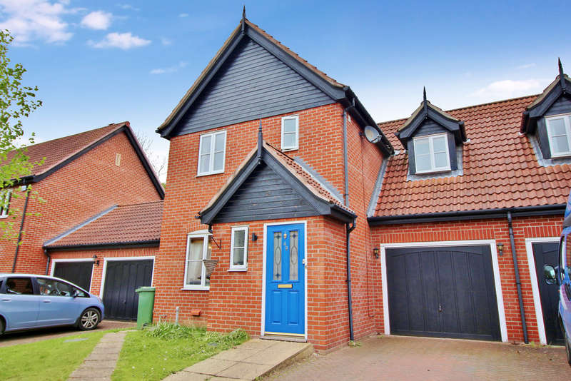3 Bedrooms Semi Detached House for sale in Mileham Drive, Aylsham, Norwich