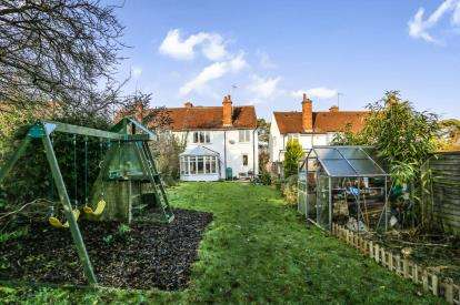 3 Bedrooms Semi Detached House for sale in Burnell Rise, Letchworth Garden City, Hertfordshire