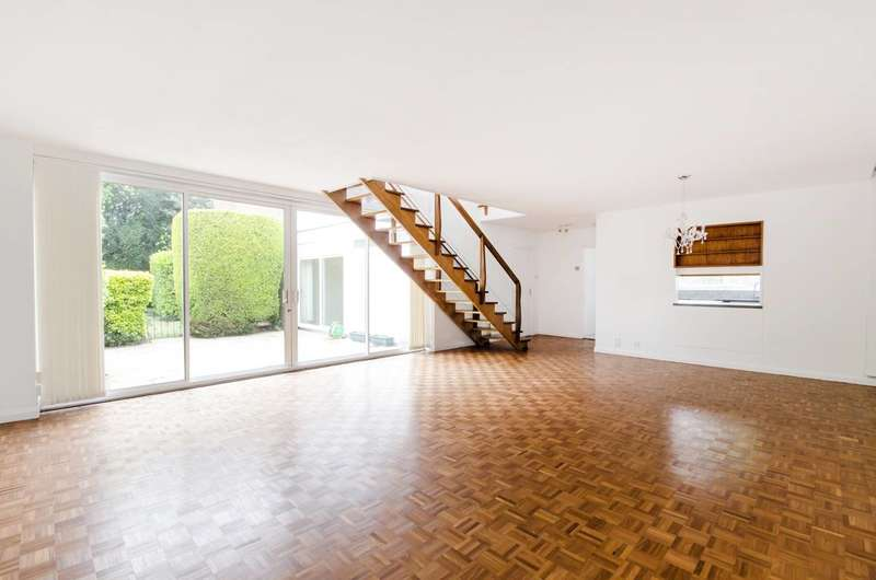 4 Bedrooms House for sale in Cottenham Drive, West Wimbledon, SW20