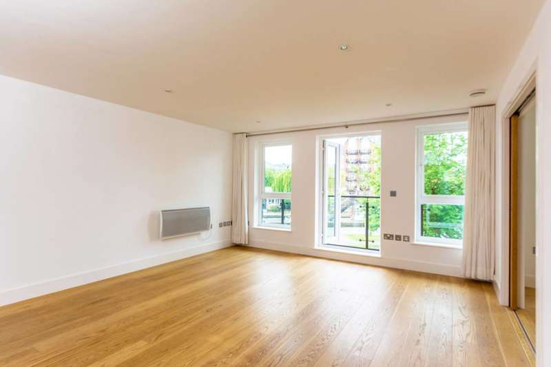 3 Bedrooms Flat for sale in Durham Wharf Drive, Brentford, TW8
