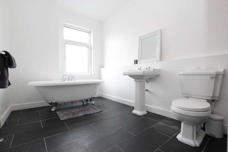 2 Bedrooms Terraced House for sale in 196 Blake Street, Barrow-In-Furness