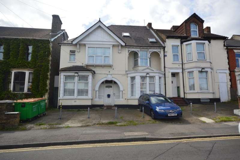 16 Bedrooms Semi Detached House for sale in Gillingham Road, Gillingham, ME7