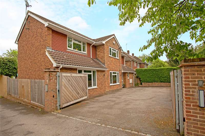 4 Bedrooms Detached House for sale in Folders Lane, Burgess Hill, West Sussex, RH15